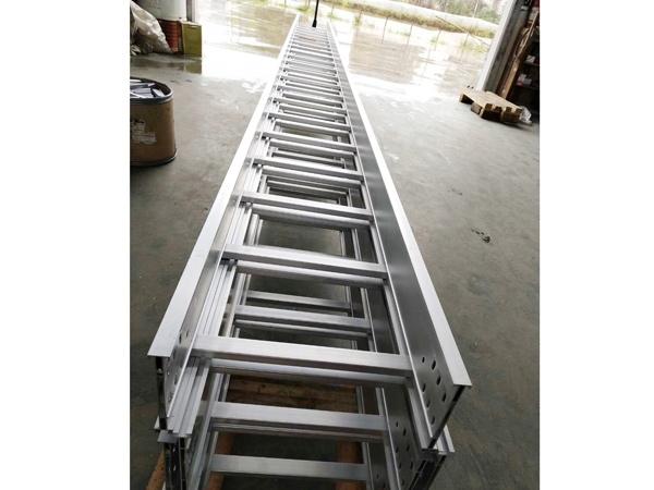 河北梯式电缆桥架
